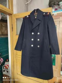 经典制服大衣收藏;女式老式税务制服蓝色呢子大衣(带肩章  女正特号)  身长110,肩宽约50厘米,胸围110厘米