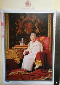 英国女王、英联邦国家元首、国会最高首领、英国历史上在位时间最长的君主、世界上最年长的君主、为已故英王乔治六世的长女、《福布斯》全球最具影响力女性、伊丽莎白二世(Queen Elizabeth II)、王室限量版特制、官方精美大照片1张、照片两面均为女王官方照、来自英国白金汉宫(Buckingham Palace)、非常珍贵、非常罕见、非常大气