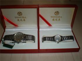 钟表类:收藏适用佩戴通达手表不锈钢带坦克链带男女情侣款手表一对2块