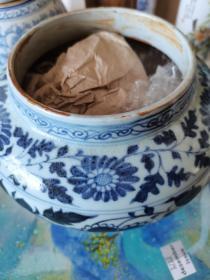 青花瓷罐(明晚期)