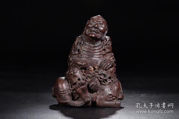 清代:竹根雕罗汉