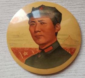 """文革时期竹制""""江西安义""""毛主席在井冈山大像章(10.2厘米)"""