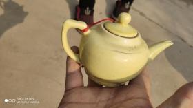 生活类;调味瓶醋瓶1个米黄色瓷