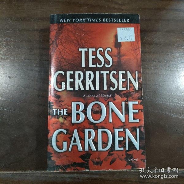 The Bone Garden: A Novel (Reprint Edition)  尸骨花园