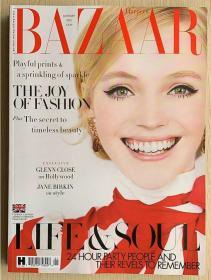 英国版 HARPER`S BAZAAR 芭莎2021年1月 英文时尚女士服装杂志