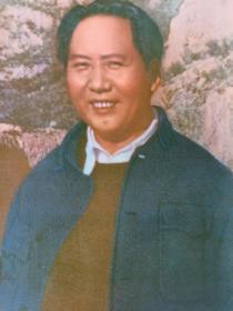 文革手工上色相纸印制毛主席在西柏坡党的七大时期半身照片,色彩明艳,印制精良,当时中国图片社用最好的技术制作领袖宣传品印刷出版