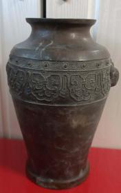 清末民国时期饕餮双耳刻花铜花瓶