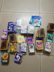 游戏王卡,神兵小将卡等大约有几百张,品相一般