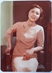 80年代旗袍知性美女照片