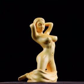 """美女,美女雕刻,大叶黄杨木美女,""""美女出浴""""千年老料一等大师亲手制作,极品黄杨实木雕刻美女,木头质地坚韧光洁、纹理细密,色黄似象牙,家庭摆件,送礼佳品,亦无法以现代技术加以替代。雕刻精细,独具匠心,""""性感美女"""" 鬼斧神工,收藏珍品"""