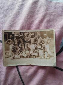 民国老照片:中华民国二十二年六月一日(1933年)摄于五十一校西院北房。