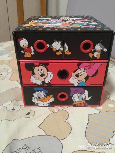 迪士尼动画图案儿童收纳盒,全网仅此一件,喜欢的拿走,材质为硬 纸壳,质量很好!