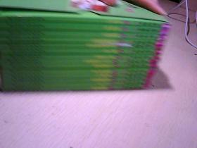 典范英语10(1-14册全 有光盘)【有盒 无写划】。
