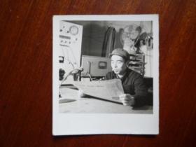 文革年代的个人看报照