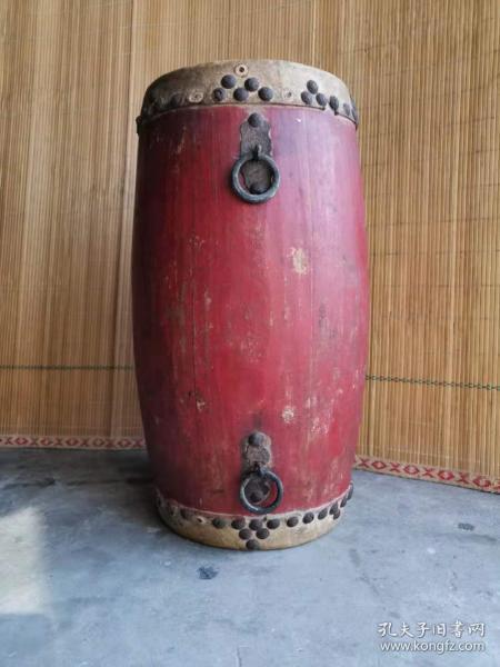 民族老乐器 腰鼓一个,全品包老, 正常使用。