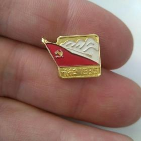 文革像章,长征 1935~潮州五金电镀