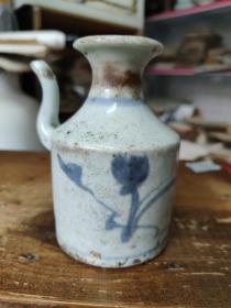 清代花卉纹青花瓶
