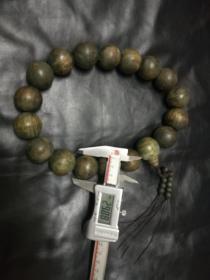 18粒30毫米左右的木头串(像绿檀)