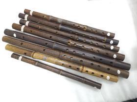 """上海民族乐器一厂""""敦煌""""牌竹笛,上世纪生产的手工精品库存笛子,完好无瑕疵,做工精美用料扎实,不可多得的乐器精品。紫竹笛AFGDC调。标价为单支的价格。"""