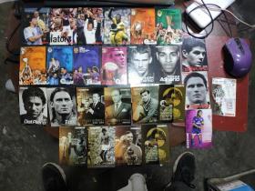 足球周刊2005、2006、2007、2008、2009年球星卡共计142张合售(具体人物参照书影)8-5
