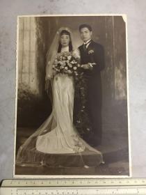民国时期大尺寸婚纱结婚照加新郎个人照片共2张