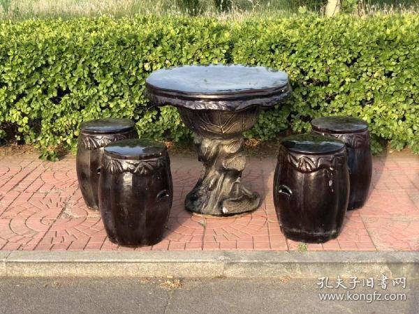民国时期,瓷质挂釉圆桌,一套,全品,做工漂亮,装修佳品,桌尺寸75.72cm