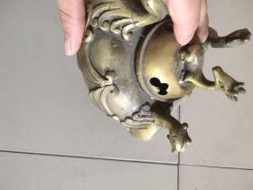明代铜孔雀熏炉