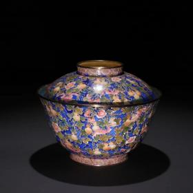 清代 铜画珐琅多子多福盖碗。