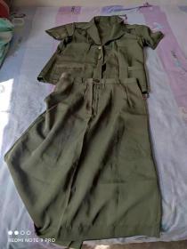 上世纪80--90年代 老式检察院女式夏装上衣+裙子。见图片。腰围约75厘米 .2型3号(老式公安警察民警干警 经典服装收藏)