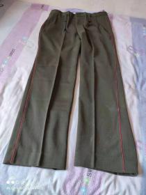 老式橄榄绿色 校哔警服裤子,带红裤线见图片(裤长110厘米, 腰围94厘米)老式公安警察民警干警 经典服装收藏
