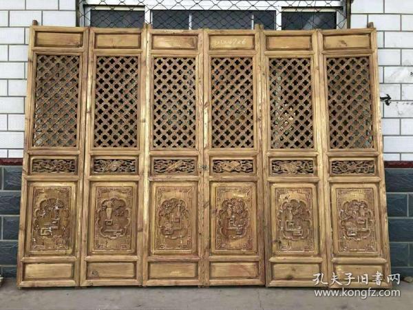 民国时期,精品隔扇一套6片,纯手工雕刻,雕工精细,完整。尺寸高213单片宽49。