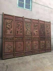 民国时期,精品隔扇一套6片,纯手工雕刻,雕工精细,完整。尺寸高218,单片宽55。