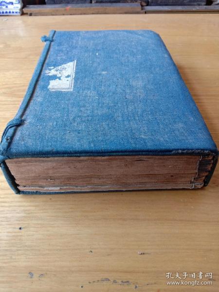 《古文喈凤》,司马迁、诸葛亮、苏东坡等历代名人文集,清光绪年木刻板,一函一套八册全。  规格25*16.5*5.5cm