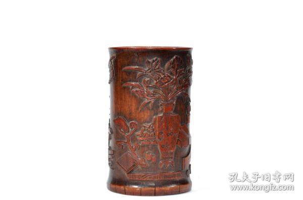 清代竹雕博古花卉笔筒