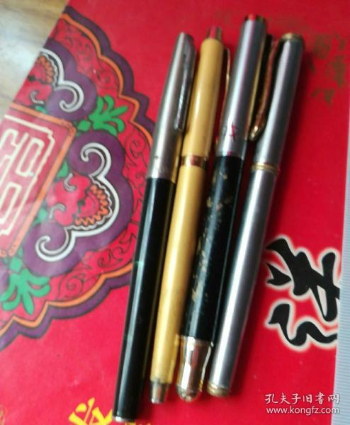 派迪多型号钢笔4支(统打)。