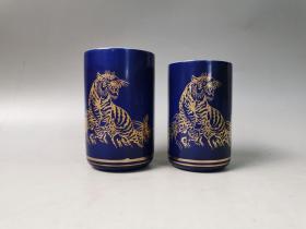 日本回流茶道具全新九谷秀山作描金手绘寅虎夫妻杯,对杯,御汤吞 品相完好,原木箱包装,尺寸如图