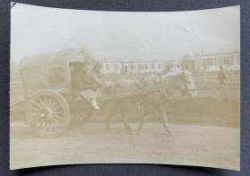 晚清时期 乘马车出行的大清子民蛋白老照片一枚