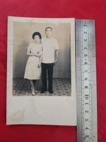 老照片:夫妻俩