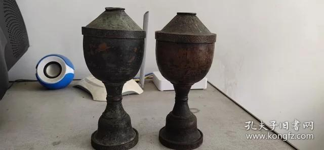 清代老蜡台、铜质细腻、造型精美、做工大气、小磕碰、非常值得收藏。