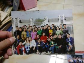 30多人的集体照       照片是感光照片,原物照相