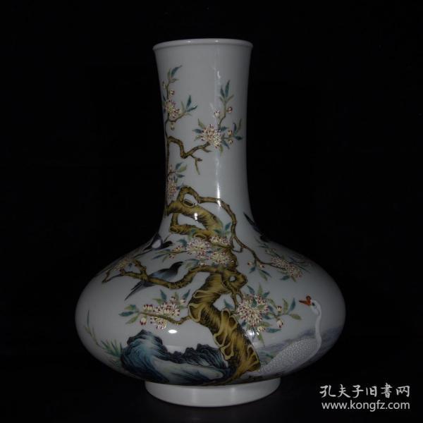 清雍正珐琅彩花鸟扁肚瓶