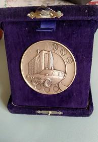 警车110 纪念章,白铜或银?不太清楚,直径55mm,非常漂亮,少见值得收藏