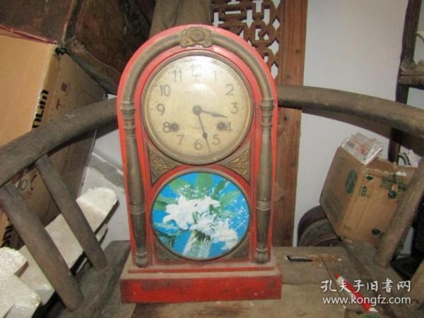 老圆头座钟