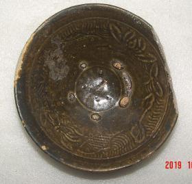 碗  宋代   瓷器  湘阴窑   岳州窑  有鱼  [高5.2cm径16.5cm]