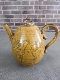 宋代黄釉双兽茶壶,器形规整出水流畅,保存完好