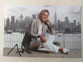 意大利着名盲人歌唱家 世界第四大男高音 安德烈·波切利(Andrea Bocelli)亲笔签名官方照3