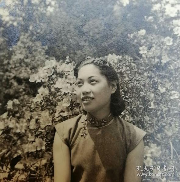 民国服饰女子黑白照片一组6张