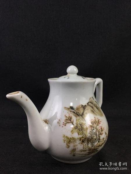清光绪年粉彩山水茶壶,保存完好,包浆老道,可正常使用,全品包老