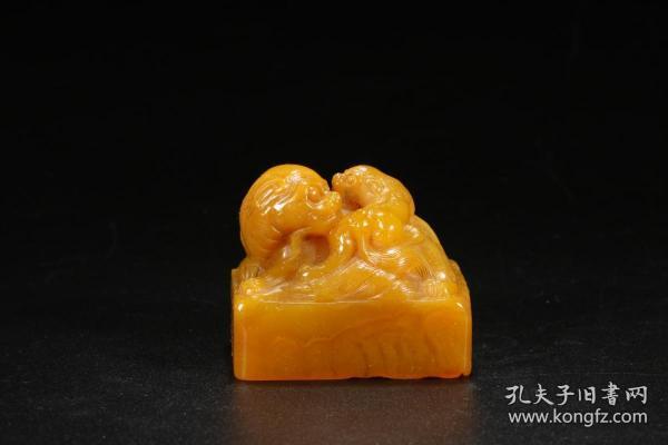 寿山田黄石雕双兽印章