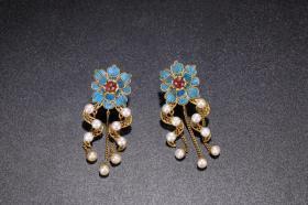 清代 纯银鎏金点翠珍珠耳环一对